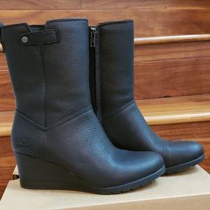 New In Box UGG Potrero Boots